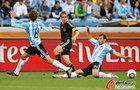 图文:阿根廷0-4德国 拉姆传球