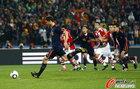 图文:巴拉圭0-1西班牙 阿隆索射点球