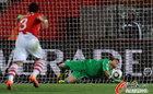 图文:巴拉圭0-1西班牙 比拉尔扑出点球