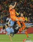 高清:乌拉圭2-3荷兰 斯内德建功罗本锁胜局