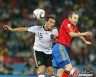 图文:德国VS西班牙 特罗肖夫斯基停球