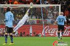 图文:乌拉圭VS荷兰 穆斯莱拉无能为力
