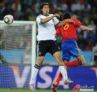 图文:德国0-1西班牙 赫迪拉争霸