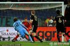 乌拉圭2-3德国 弗兰凌空破门瞬间