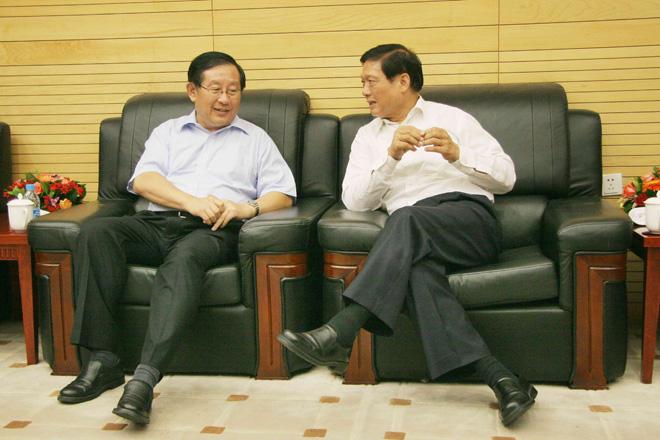 与刘淇同志进行会谈